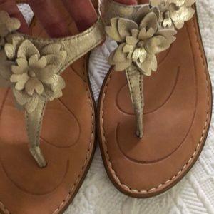 Born flower sandals